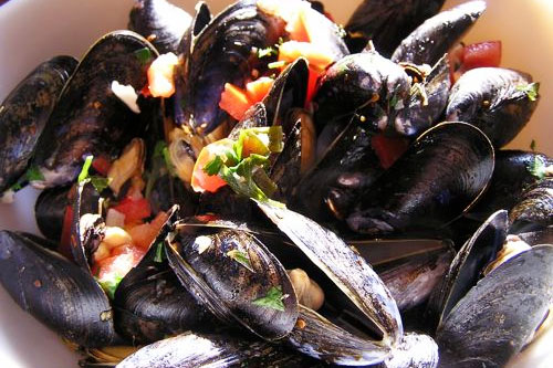 SPICY-MUSSELS-STEAM